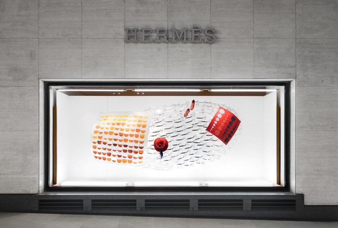 HERMES のショーウィンドウデザイン